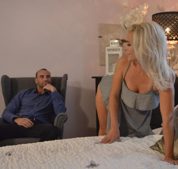 Kathy Anderson – Amazing natural MILF gets creampie (MomXXX.com/SexyHub.com/2018/480p)