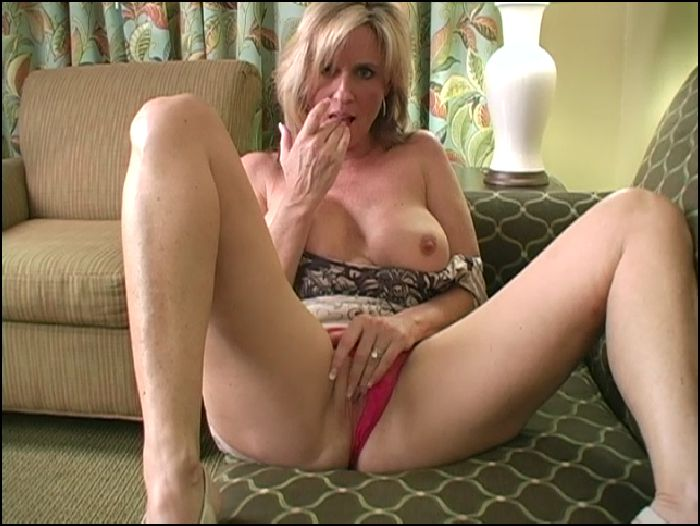 JerkOff Instructions Milk and cookies w Jodi the horny MILF Preview
