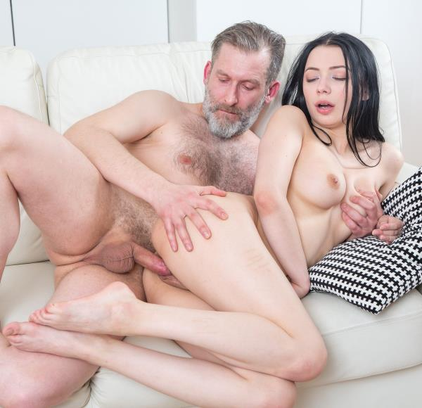 Emily Bender – Lovely girl takes boredom medicine (Old-n-Young.com/TeenMegaWorld.com/2018/HD)