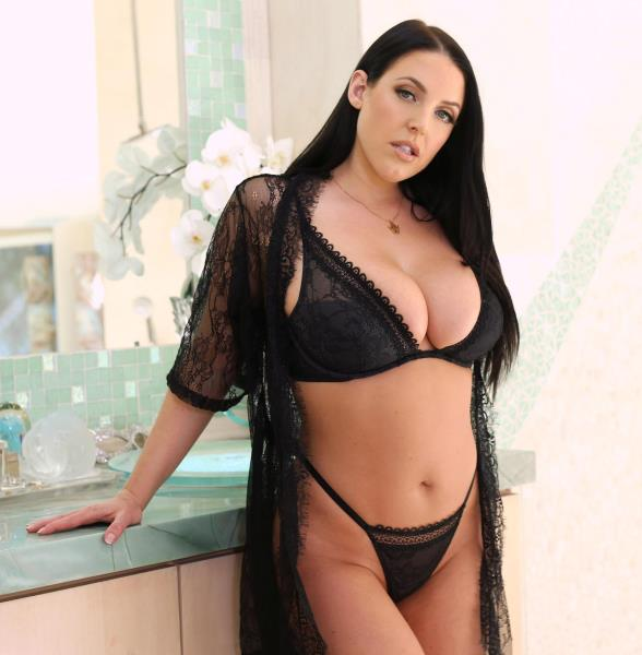 Angela White – Doing Double Duty (DDFBusty.com/DDFNetwork.com/2018/HD)
