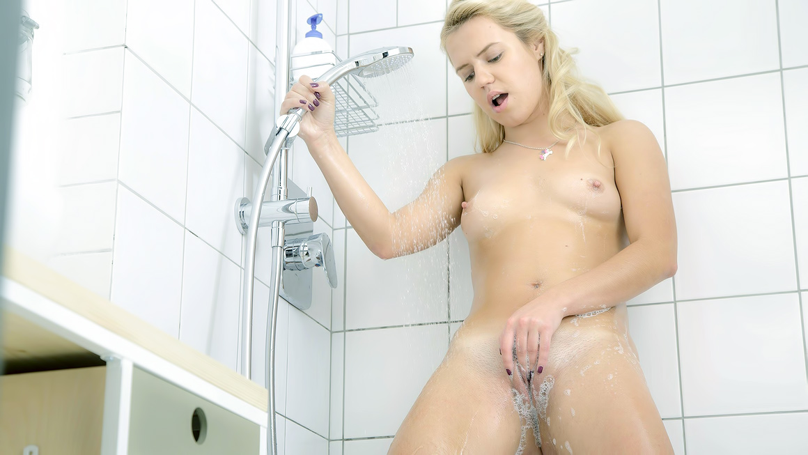 Rubbing my pussy in the shower porn pic