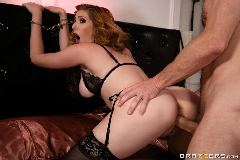 Lauren Phillips – BDSM Confidential (2018/RealWifeStories.com/Brazzers.com/HD1080p)