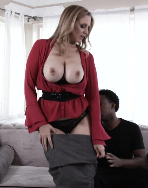 Julia Ann – Stacked MILF Gets Penetrated (2018/ZeroTolerance/Ztod.com/HD1080p)
