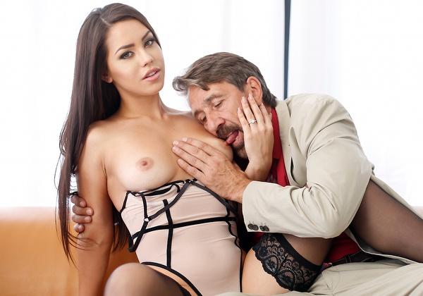 Alina Lopez – Alina Fucks Her Favorite (2018/NewSensations.com/480p)