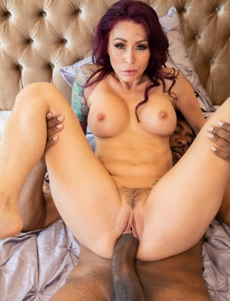 Monique Alexander – Wanted More BBC In Her Life. So We Introduced Her To Dredd! (JulesJordan.com/2018/480p)