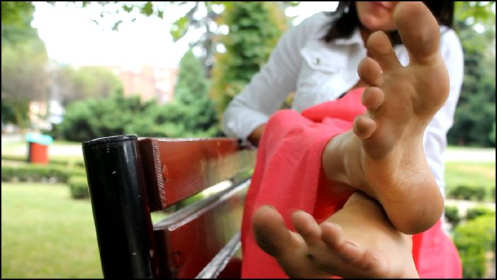 Amateur Girls Feet From Poland DIRTY FEET  FONTAIN Preview