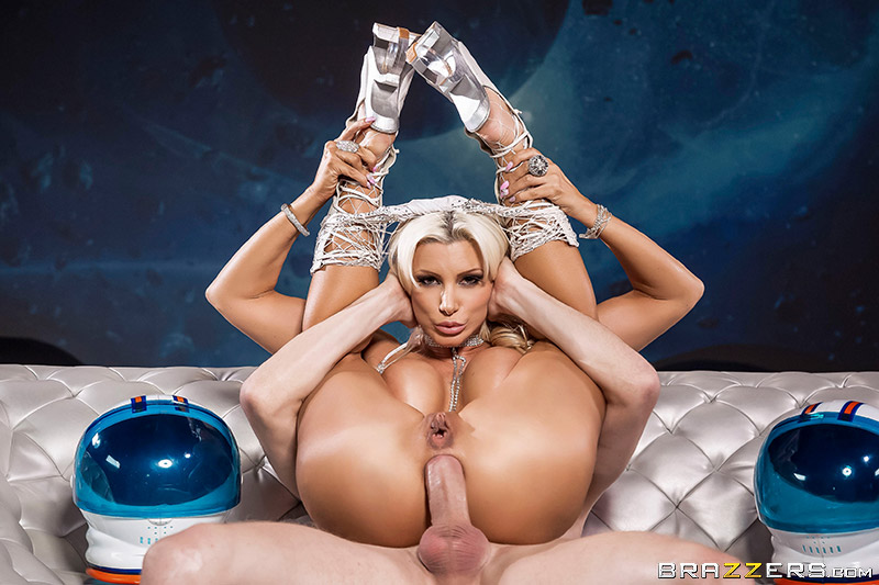 Brittany Andrews – Full Moon (2018/BigWetButts.com/Brazzers.com/HD1080p)