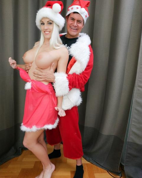 Blanche Bradburry – Miss Claus Cheats on Santa with a Elf with a Huge Cock (ImmoralLive.com/BlowPass.com/2018/HD)