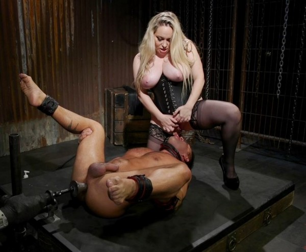 Aiden Starr – A Doms Domme: Divine Bitch Aiden Starr dominates beefcake male top (DivineBitches.com/Kink.com/2018/480p)