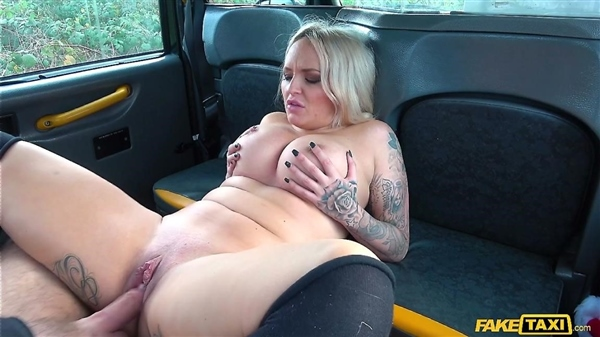 Louise Lee – Festive Taxi Fuck with Busty Blonde (FakeTaxi.com/FakeHub.com/2018/HD)