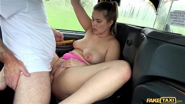 Nikky Dream – Backseat Fucking with Czech Tourist (FakeTaxi.com/FakeHub.com/2018/HD)