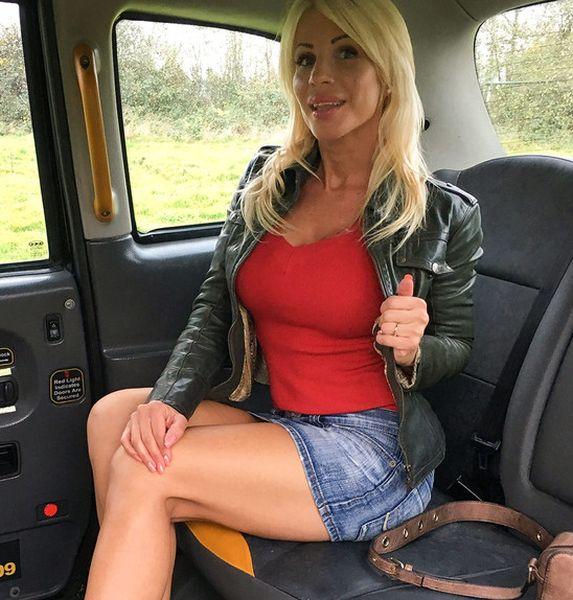 Tiffany Rousso – Rough fuck for sexy Hungarian MILF (2019/FakeTaxi.com/FakeHub.com/HD1080p)