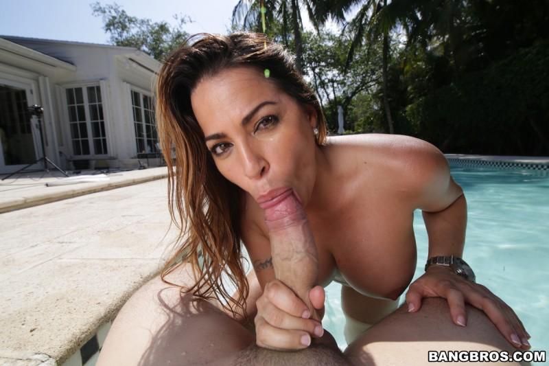 Julianna Vega – Ass In The City (Bangbros.com/HD1080p)