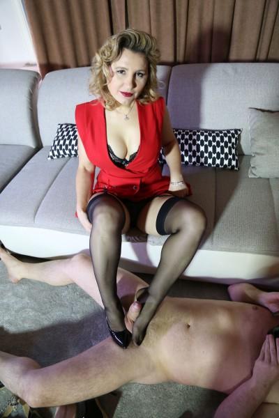 Olga Love – The Shoe Sniffer (2018/MagmaFilm.com/480p)