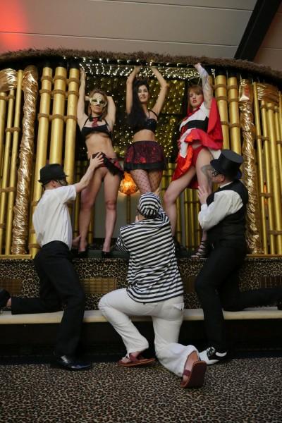 Coco Kiss – Swingers Club Cage (2018/MMVFilms.com/HD1080p)