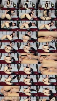 Brookelynne Briar Work-My-Fingers-In Preview