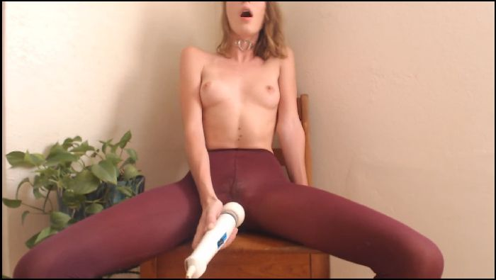 Zoe Stone Squirt in Tights (manyvids.com)