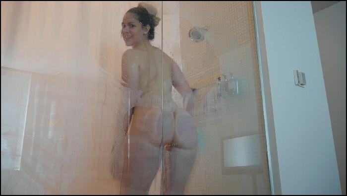 Ashley Alban Ash Wakes You With a Sexy Shower Preview