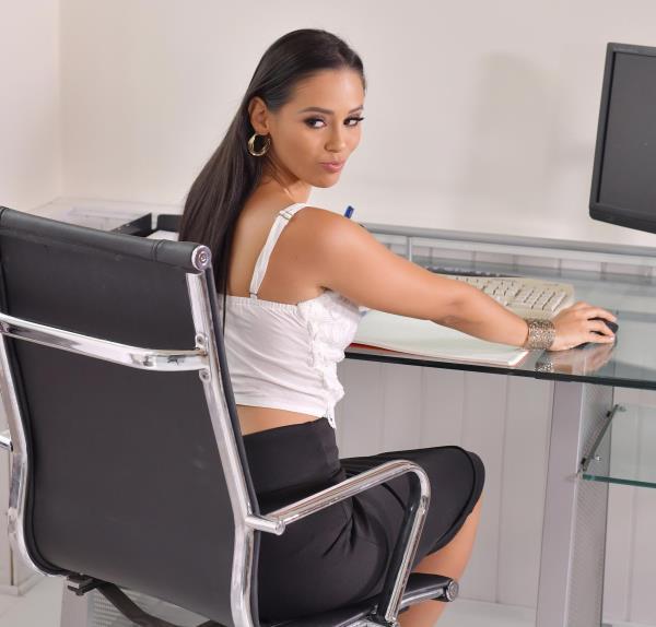 Andreina De Luxe – Anal Fuck During Office Hours (HandsonHardcore.com/DDFNetwork.com/2019/HD)
