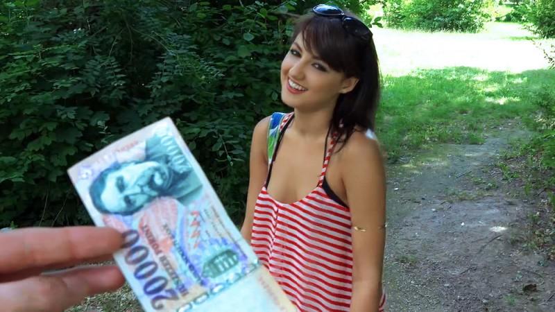 Suzy Rainbow – Hungarian Hottie Pounded Outdoors (Mofos.com)