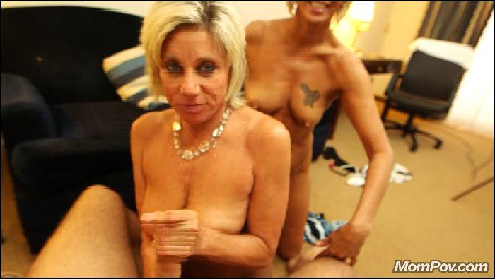 MOMPOV Mature Lesbian MILFs Eat Pussy Threesome (manyvids.com)