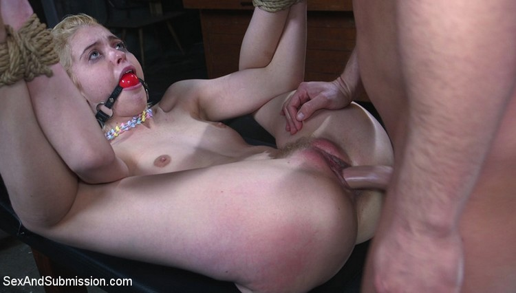 Chloe Cherry – Job Hunt (SexAndSubmission.com/Kink.com/2019/480p)