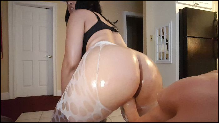 Rose LeBeau Tights Rip Off Riding amp Twerking Preview