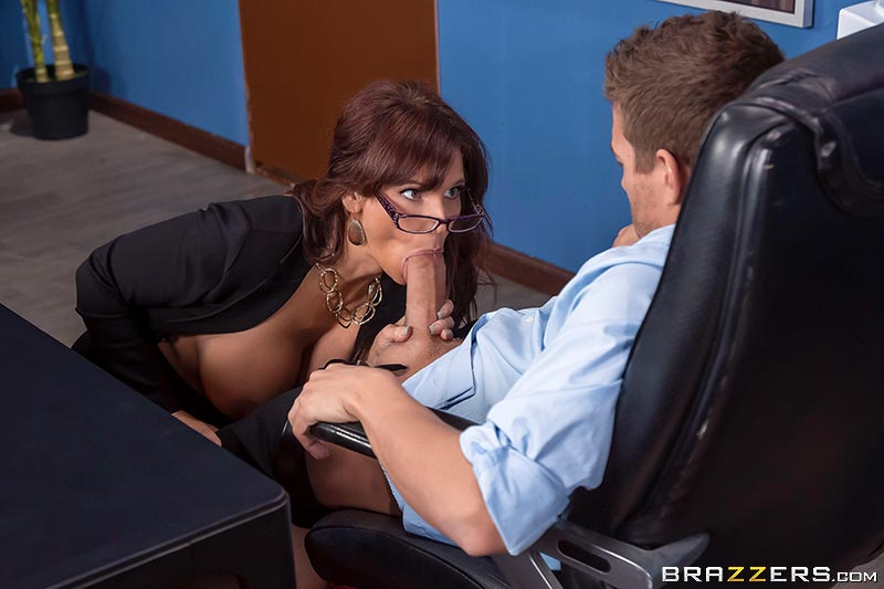 Syren De Mer – Red Hot Boss From Hell (BigTitsAtWork/Brazzers/2019/480p)