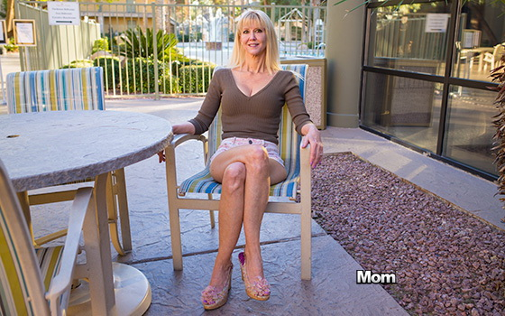 Cait – Busty blonde cougar does first porn (Mompov.com/2019/HD)