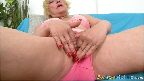 Amanda – Blonde mature perving with glass dildo (OldNanny.com/EuropeMature.com/2019/HD1080p)