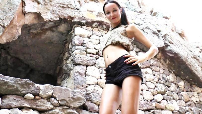Francys – Francys Aime La Canicule (JacquieEtMichelTV/2019/HD1080p)