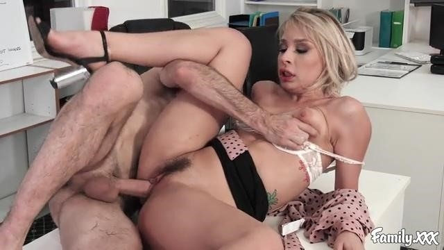 Amateurs – Screwing Around In The Office Has Its Perks (Family/2019/HD)