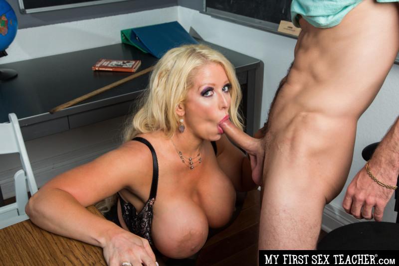 Alura 'TNT' Jenson's student is mesmorized by her tits (MyFirstSexTeacher.com/NaughtyAmerica.com/2019/HD)