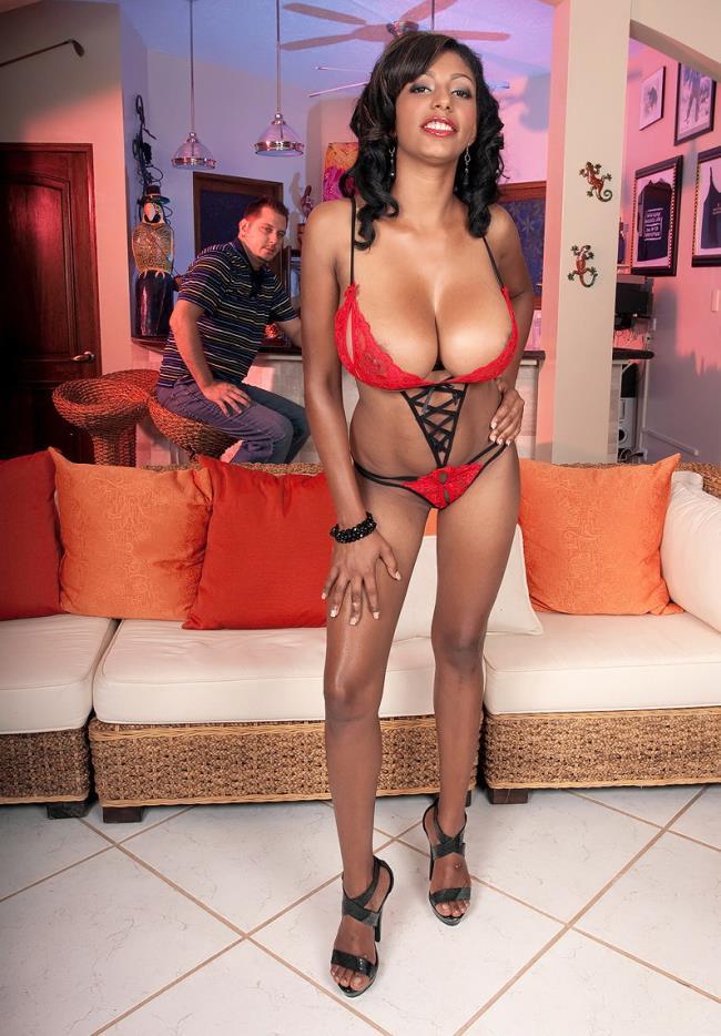Chica – Every Inch A Woman (PornMegaLoad.com/Scoreland.com/2019/HD)