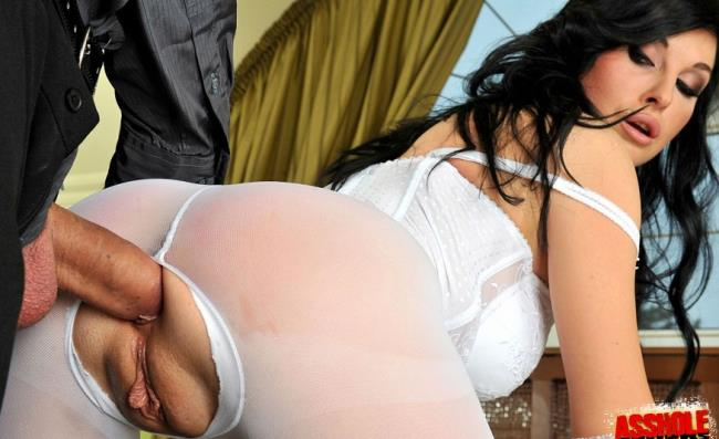 Alma Blue – Theres a hole in my stockings (AssHoleFever.com/21Sextury.com/2019/480p)