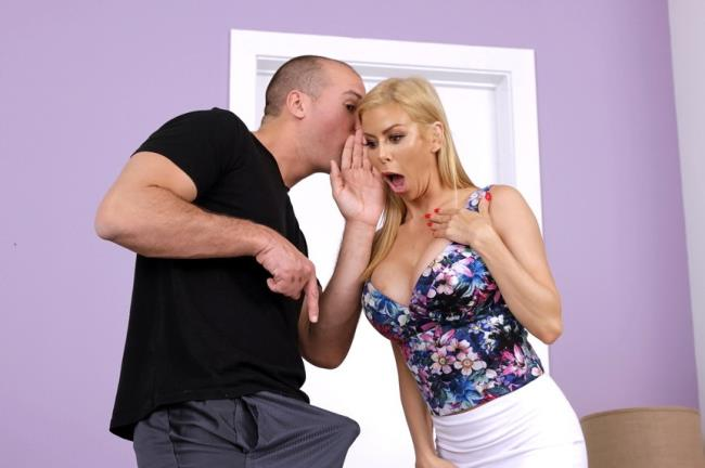Alexis Fawx – Help Please (MilfHunter.com/RealityKings.com/2019/480p)