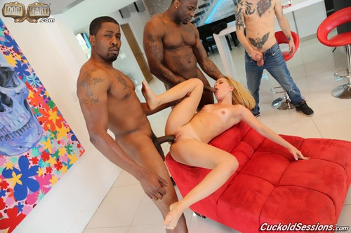 Lilly Lit – Cuckold Sessions (CuckoldSessions/DogFartNetwork/2019/480p)