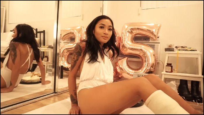 Avery Black – 25th Birthday Cupcake Smash (amateurporn)