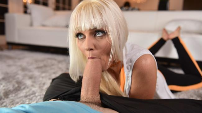 Marie McCray – Stretching Your Stepmom (FamilyStrokes.com/2019/480p)