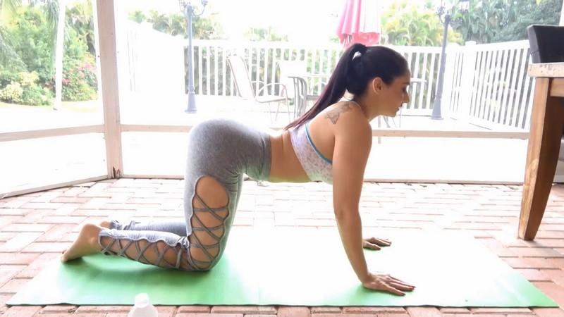 Sheena Ryder – Stretching Mom Out (Clips4Sale.com/2019/HD1080p)