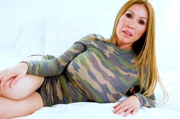 Kianna Dior – A special Mothers Day video for all my loving sons step-sons (OnlyFans.com/2019/HD)