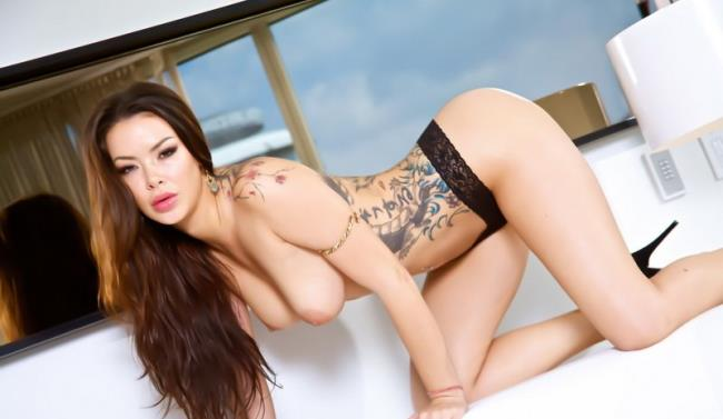 Sophia Santi Anal