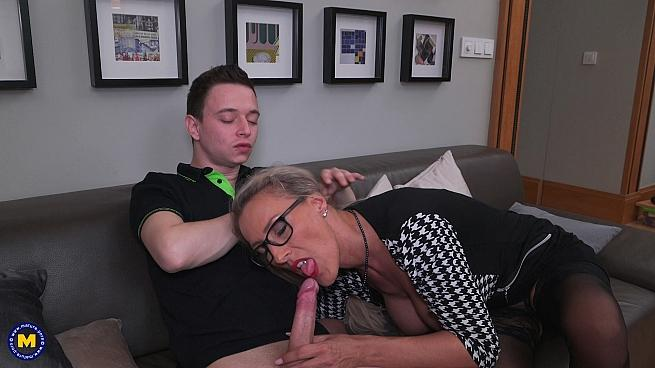 Lana Vegas (43) – Naughty big breasted MILF Lana Vegas seduces an innocent toy boy for hot steamy sex (Mature.nl/2019/480p)