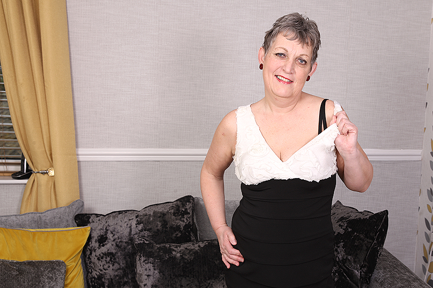 Marika (EU) (57)  Marika is an older lady that loves to play with her wet shaved pussy when shes alone at home (Mature.nl/2019/Standart quality)