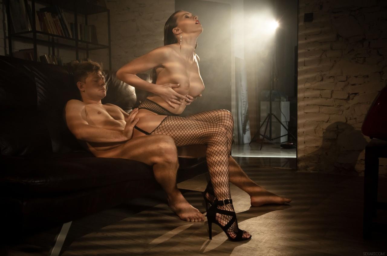 Stacy Cruz – Freefall (SexArt/2019/HD1080p)