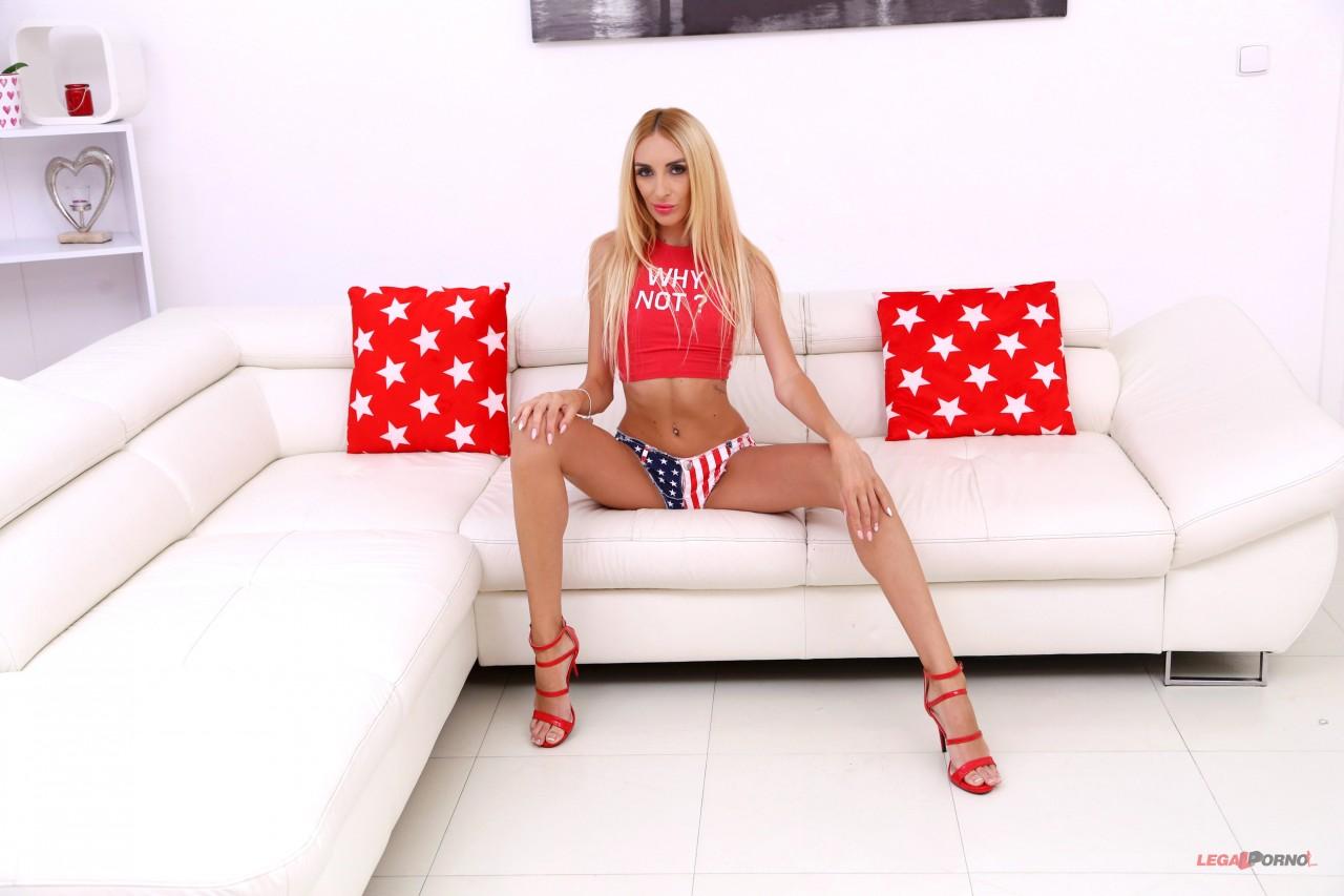 Anita Blanche – First Porn Scene With First DP For Hot Slim Model Anita Blanche SZ2235 (LegalPorno.com/2019/HD)