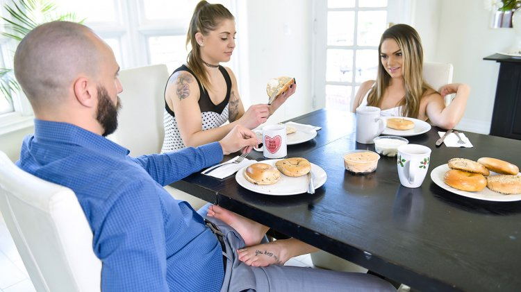 Athena Faris – Some Under The Table Footplay (FamilyStrokes/2019/HD1080p)