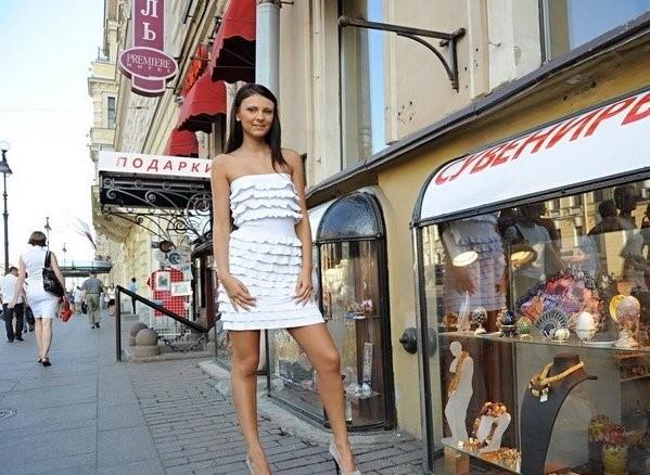 Molly – Young Russian Girl Public Sex Adventure (PublicFuck.com/2019/480p)
