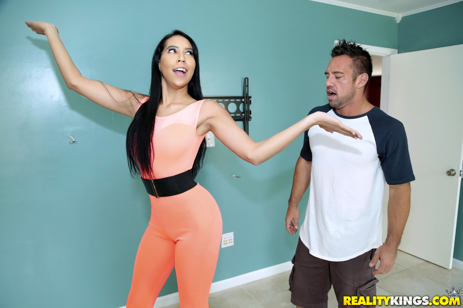 Jade Dylan – Fat Pussy (RealityKings.com/480p)