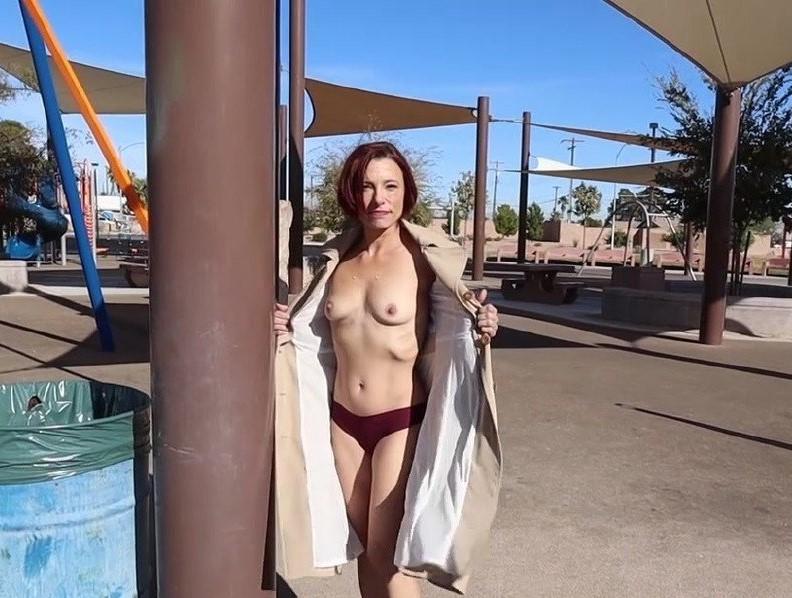 Stella – Park bathroom fucking (MomPov/2019/HD)
